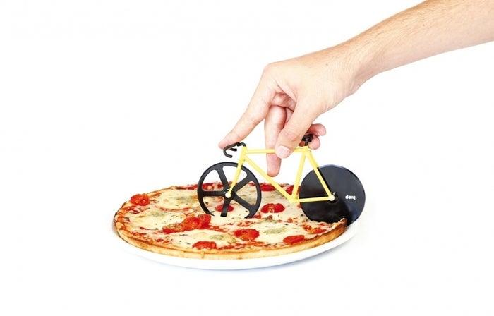 Reduciendo las huellas de carbono un pedazo de pizza a la vez. Consíguelo aquí.
