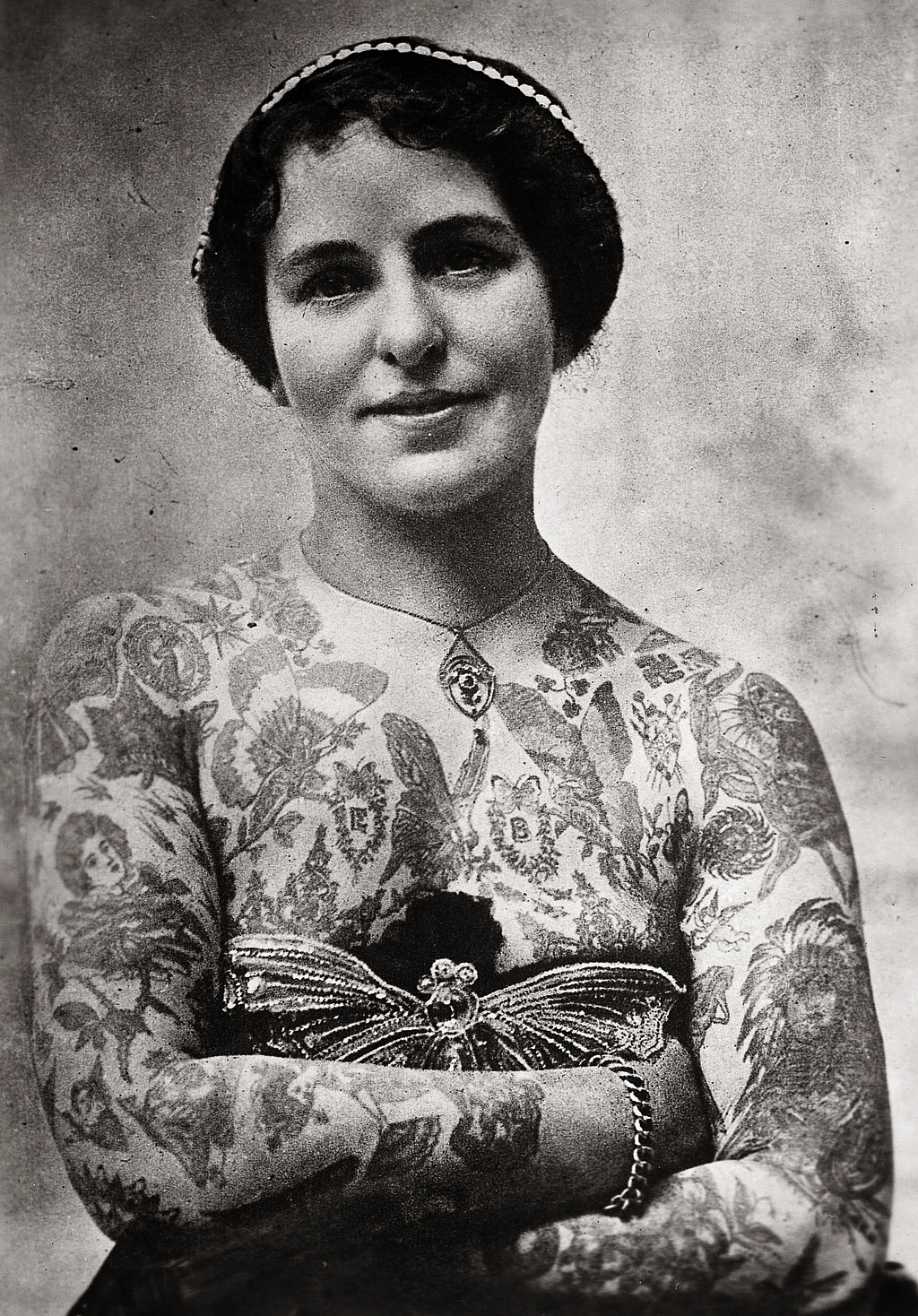 14 Truly Awesome Photos Of Tattoos Throughout History