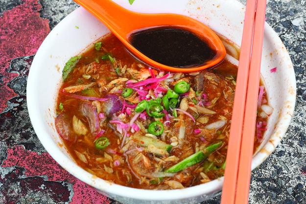 Assam Laksa (Rice Noodles in Fishy Soup)