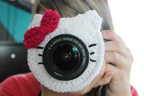 A big challenge of taking photos of your kids is getting them to look at the camera. Camera lens buddies make this a lot easier, especially with younger children.