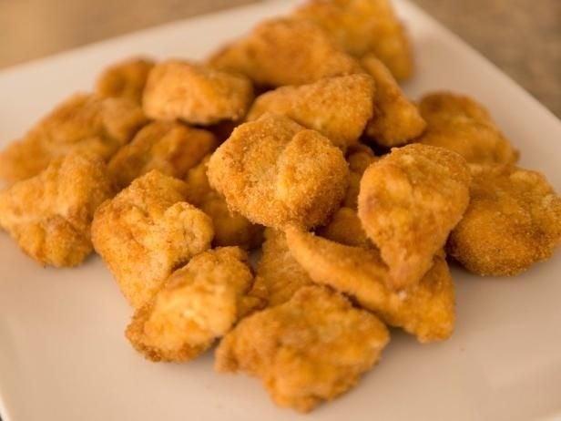 Tus hijos quieren nuggets de pollo. Tú quieres que coman comida de verdad. Ahora ambos puedan ser felices. Ve la receta aquí .