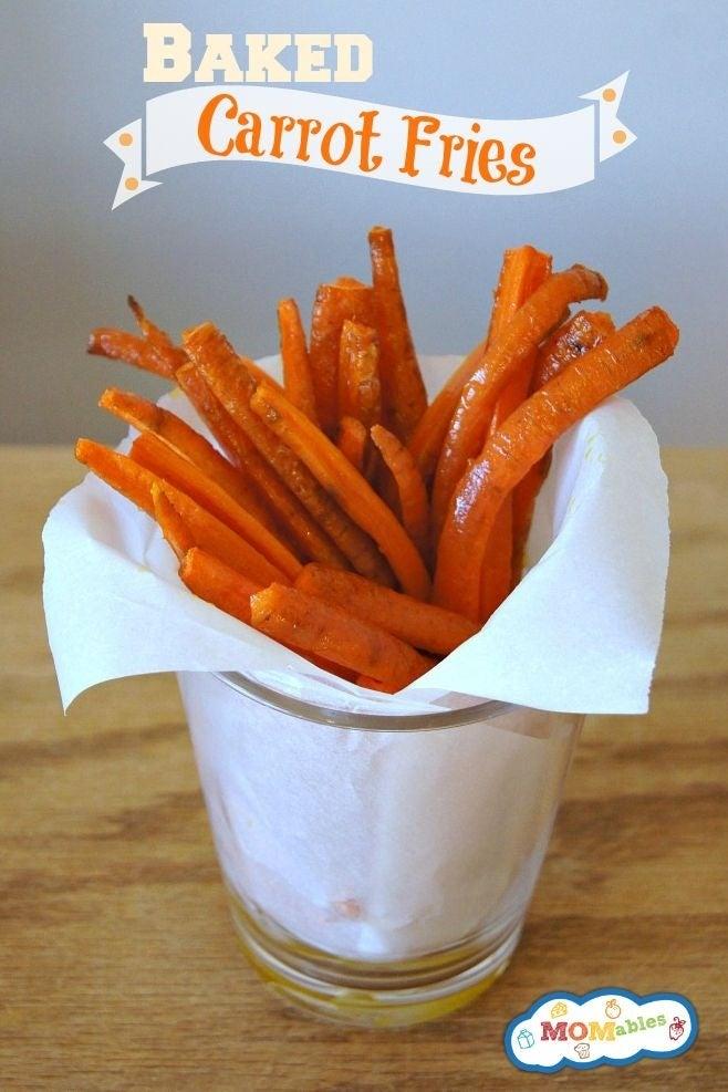"""Estas """"patatas fritas"""" saben bien calientes o frías, son fáciles de hacer y proporcionan una gran cantidad de beta-carotenos, vitamina A, fibra y antioxidantes. Ve la receta aquí."""