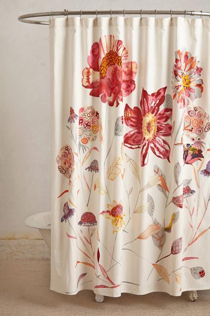 Se você tiver algumas horas: lave a cortina de seu banheiro para evitar que apareça mofo.