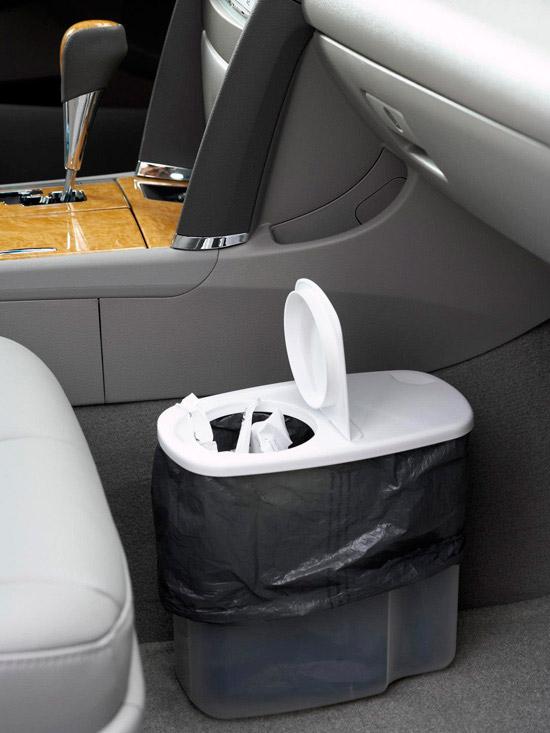Se você tiver alguns minutos: construa uma lixeira para seu carro no maior estilo MacGyver.