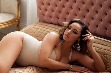 33 Poses Increíblemente Eróticas Para Fotografías En La Alcoba