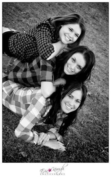 37 Impossibly Fun Best Friend Photography Ideas I just got that friday feeling. best friend photography ideas