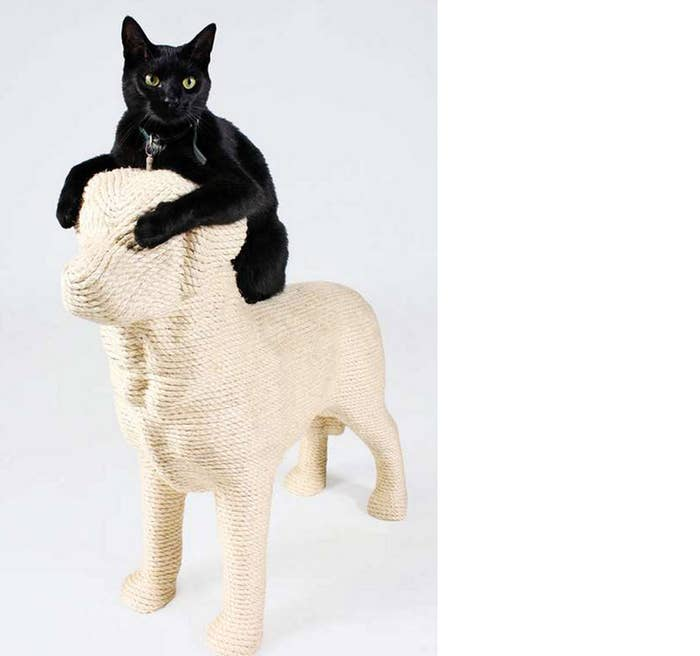 Lumpi is a scratching post designed by Erick Stehmann to helpfelines express their true feelings for fido. Get it here.