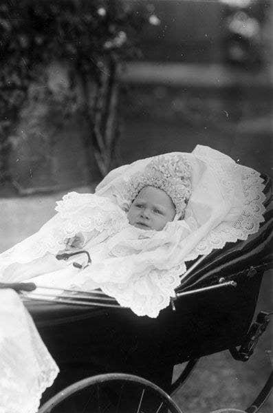 Born: 14 December 1895Died: 6 February 1952Queen Elizabeth II's father
