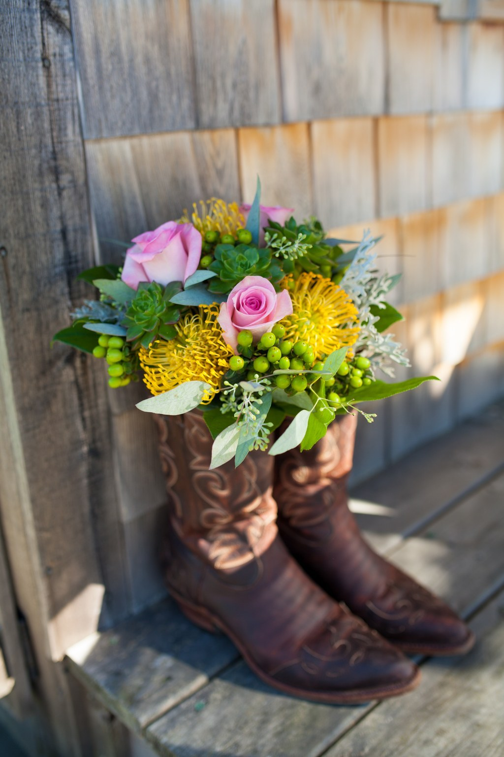24 Ways To Throw A Spectacular Country Themed Wedding
