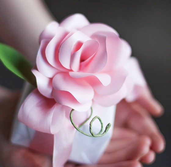 These beautiful paper roses make the perfect gift box topper.