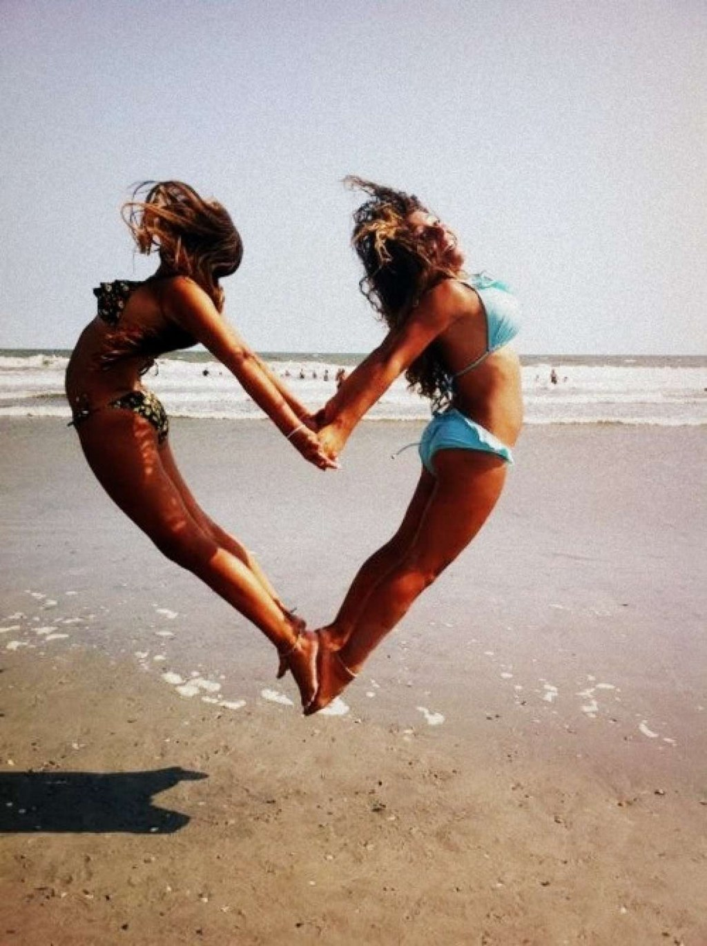 20 Impossibly Fun Best Friend Photography Ideas