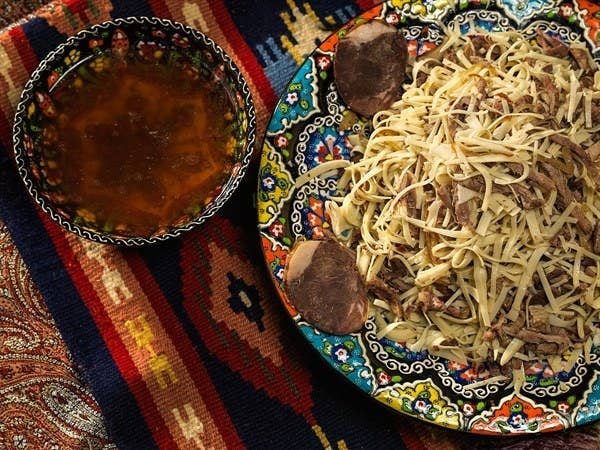 An oriental merchant favorite, the dish is composed of hand-spun noodles and boiled jerk meat, served with minced onions and black pepper. Traditionally, it is made with horse-meat.