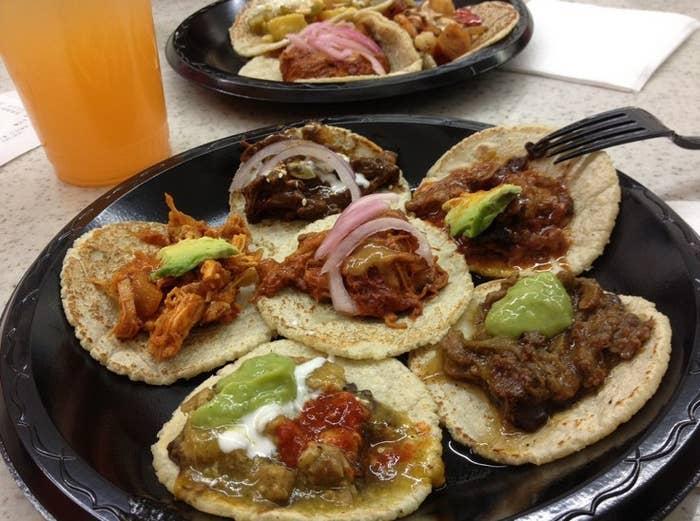 Los tacos son un menú de degustación y los burritos son un enorme tazón de gachas.