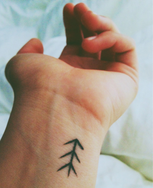 Mini tatuagens que você vai querer fazer agora.