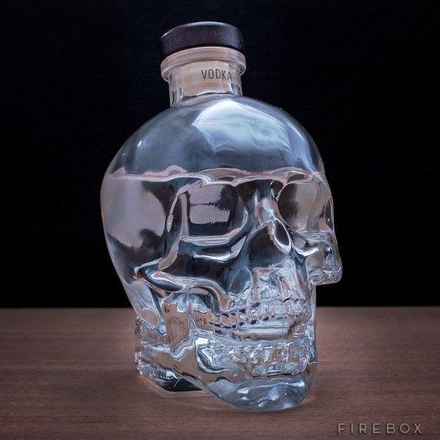 Botella de cristal calavera vodka