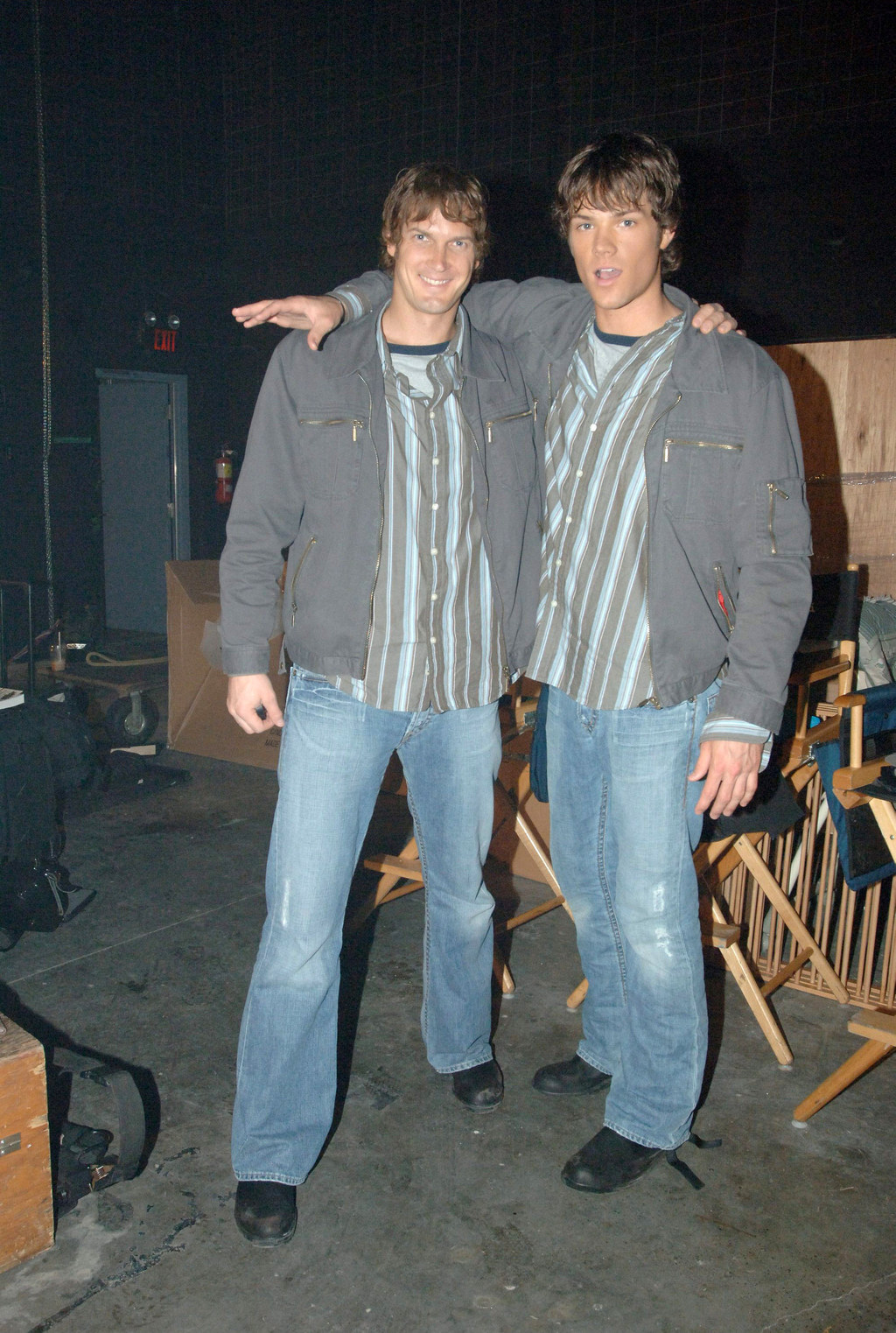 36 actors hanging out with their body doubles