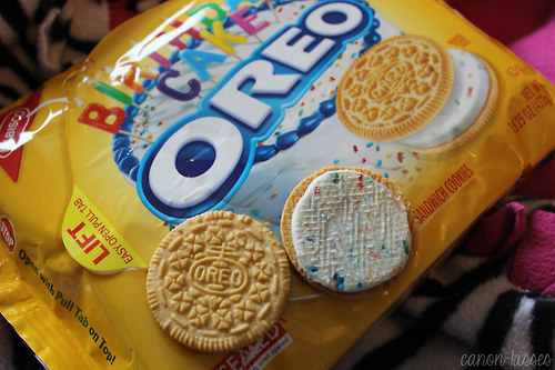 Golden oreo birthday cake cookies