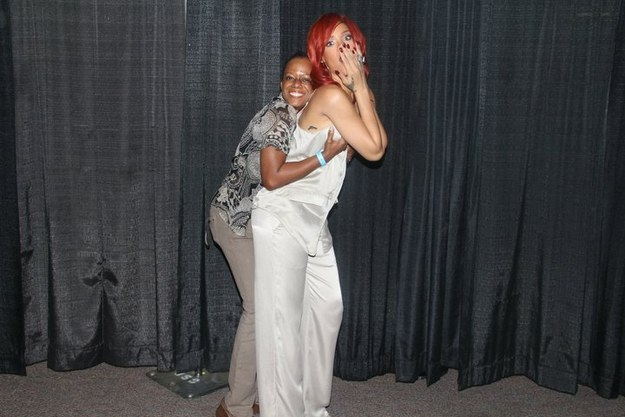 Rihanna has been doing free meet greets after concerts page 3 when i see her next week in dc i will squeeze her a cheek while she grabs my a cup boobs i will enjoy the fact that you are not part of that delectable m4hsunfo