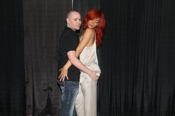 A rihanna meet and greet vs an avril lavigne meet and greet a rihanna meet and greet m4hsunfo Image collections