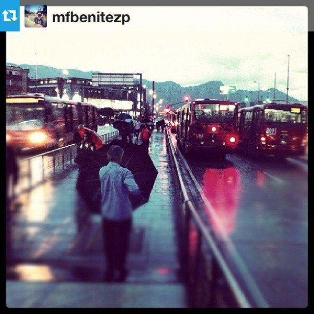 @mfbenitezp shares a beautiful pic of a rainy day in Bogota.
