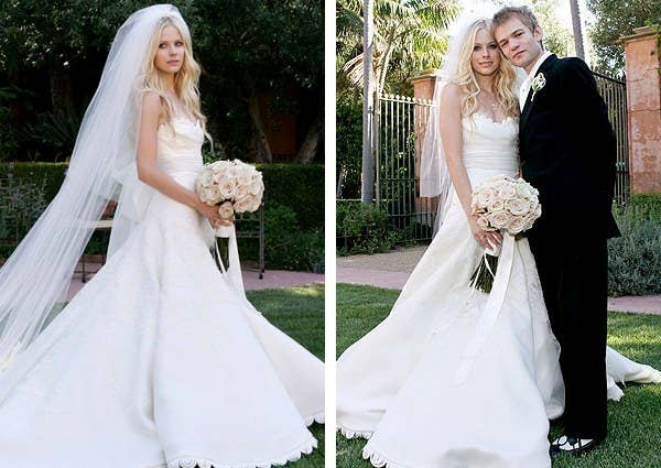 c3024b2676c23 The pop-punk singer wore a highly traditional Vera Wang gown when she  married Sum