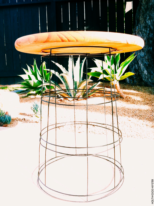This Easy Wire Table
