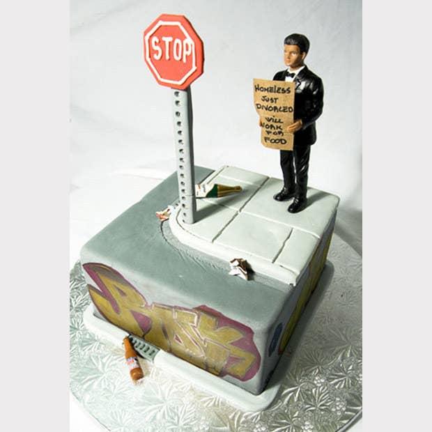 """Pastel de divorcio """"recién divorciado sin hogar, trabajo por comida"""""""