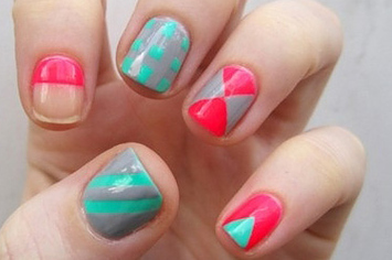 12 amazing diy nail art designs using scotch tape solutioingenieria Choice Image