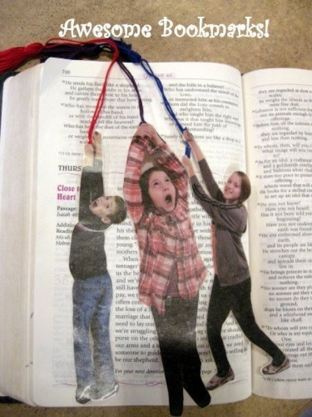Four easy steps: 1.) Have a photo shoot, 2.) Cut your child out of the photo, 3.) Laminate it, 4.) Attach the string!