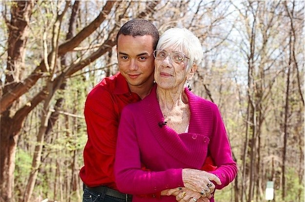 This 31-Year-Old Guy Is Dating A 91-Year-Old Great-Grandmother-4271
