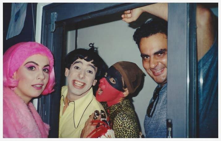 Penelope, Nino e Caipora (sem peruca!) -- ou Ângela Dip, Cássio Scapin, Patrícia Gasppar e Claudio Chakmati durante intervalo das gravações