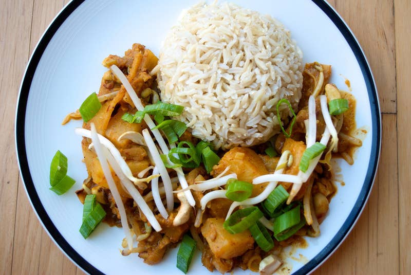 Serve over brown rice and you'll have just over 18g of protein in each serving. Recipe here.