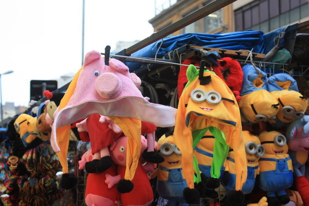 Decoração dos minions 25 de março chapeus