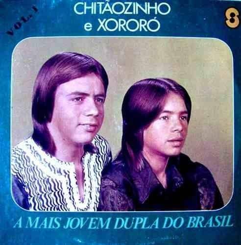 """Em 1972, eles ainda eram """"a mais jovem dupla sertaneja"""". <3"""