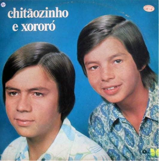"""O primeiro disco, de 1970, tem o hit """"Galopeira"""" -- que, naturalmente, agora não vai mais sair da sua cabeeeeeeeeeeeeeeeeeeeeça."""