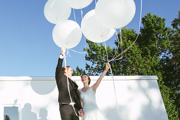 42 Impossibly Fun Wedding Photo Ideas You\'ll Want To Steal