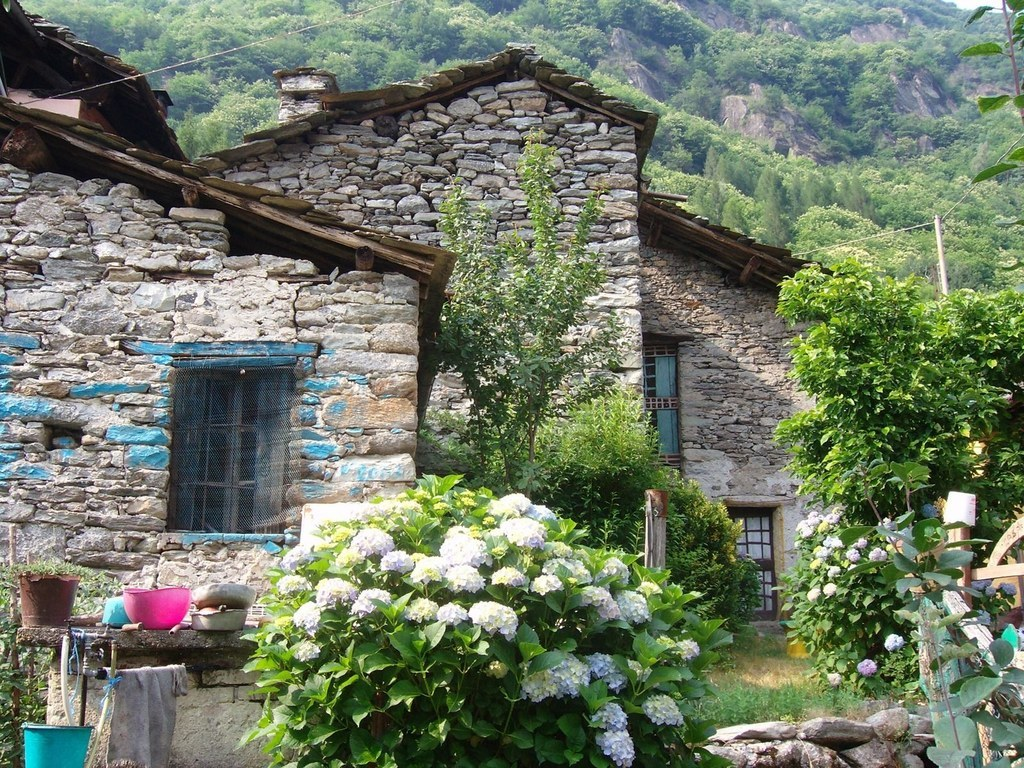 You Can Buy An Entire Italian Village For $330,000 On eBay