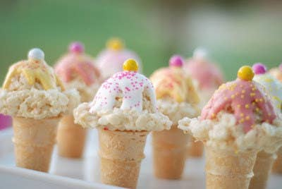 Rice Krispie Treats are such a novel idea because of their moldability. Like with these ice cream cones; super cute!