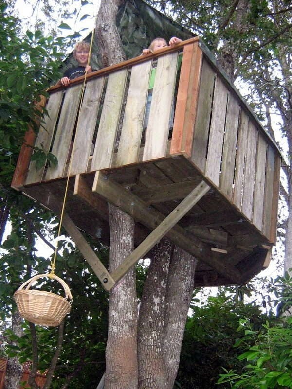 Epic backyard treehouse = winning childhood. Learn how to make one here.