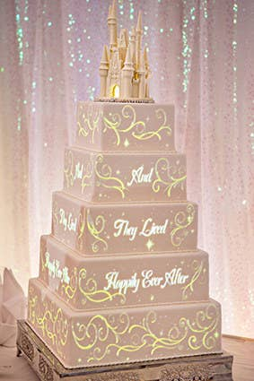Reason To Get Married At Disney Here S A New One The Wizards Over Enterprises Just Unveiled Technology For An Animated Wedding Cake