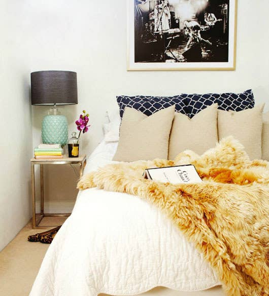 40 Ways To Make Your Bed The Coziest Place On Earth Best How To Put Throw Blanket On Bed