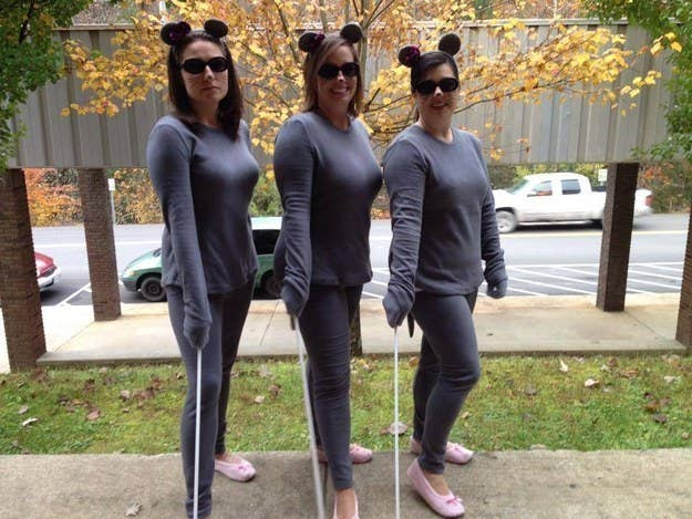 51 cheap and easy last minute halloween costumes stay comfy and warm with a three blind mice sweatsuit costume solutioingenieria Image collections
