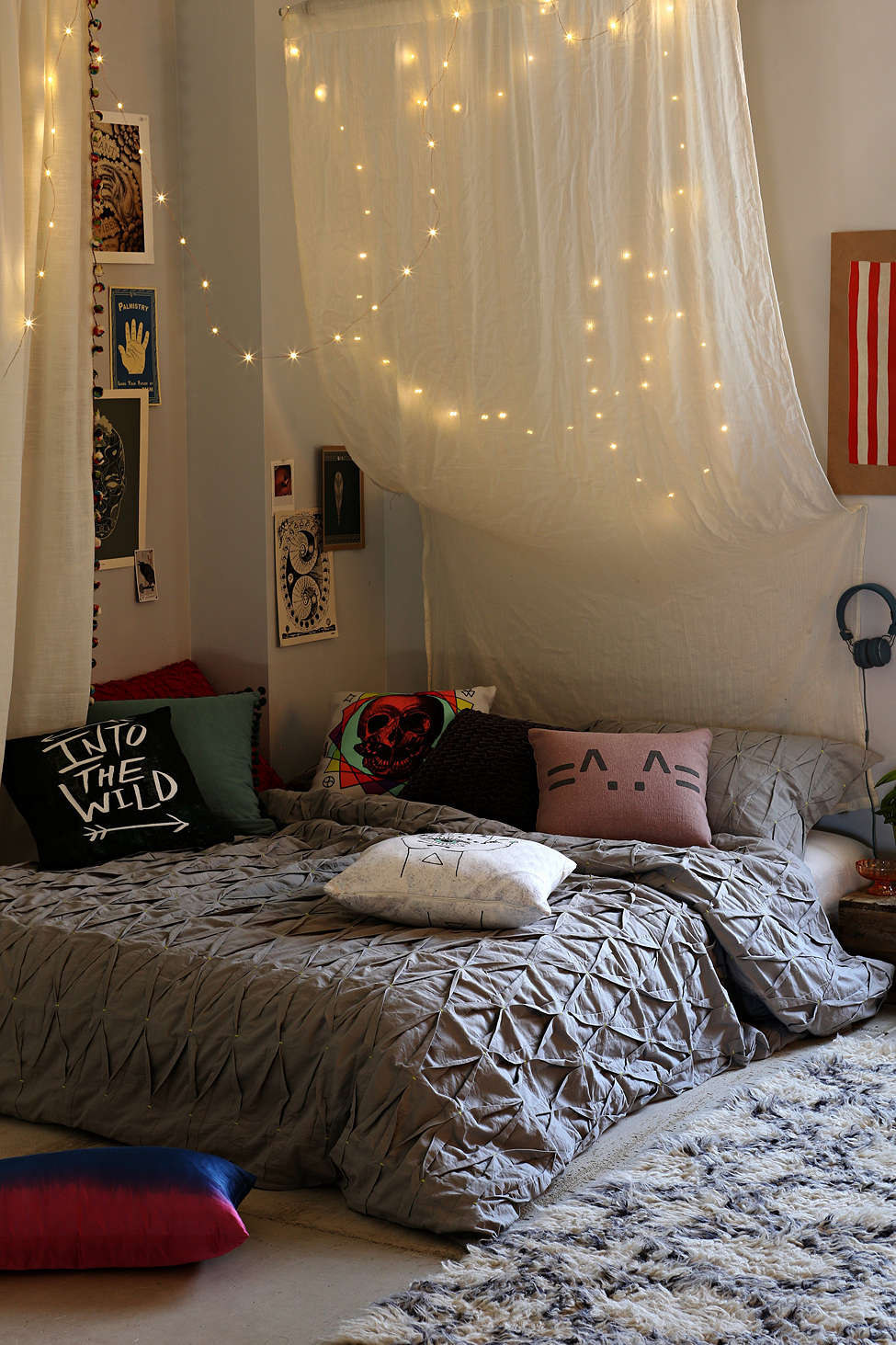Exceptional Hanging The Lights Behind A Sheet Or Thin Curtain Helps Make Your Room Feel  Less Like Good Ideas