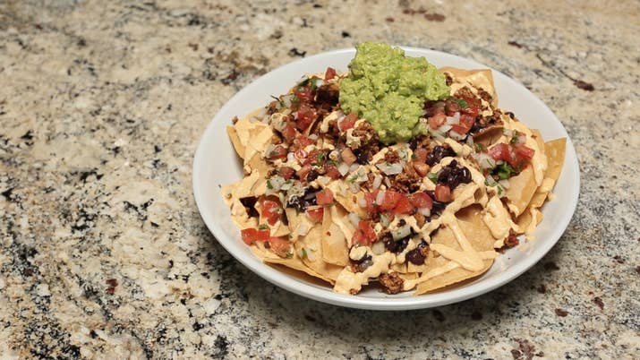 How to make vegan junk food loaded nachos forumfinder Choice Image