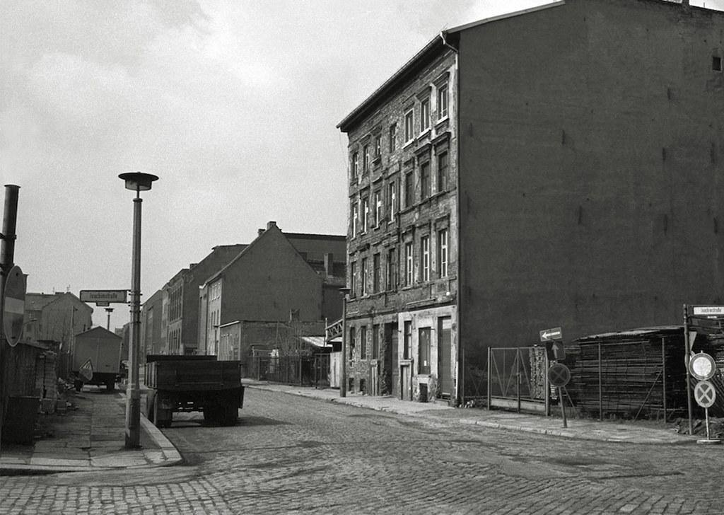 so sehr hat sich berlin seit 1990 ver ndert. Black Bedroom Furniture Sets. Home Design Ideas