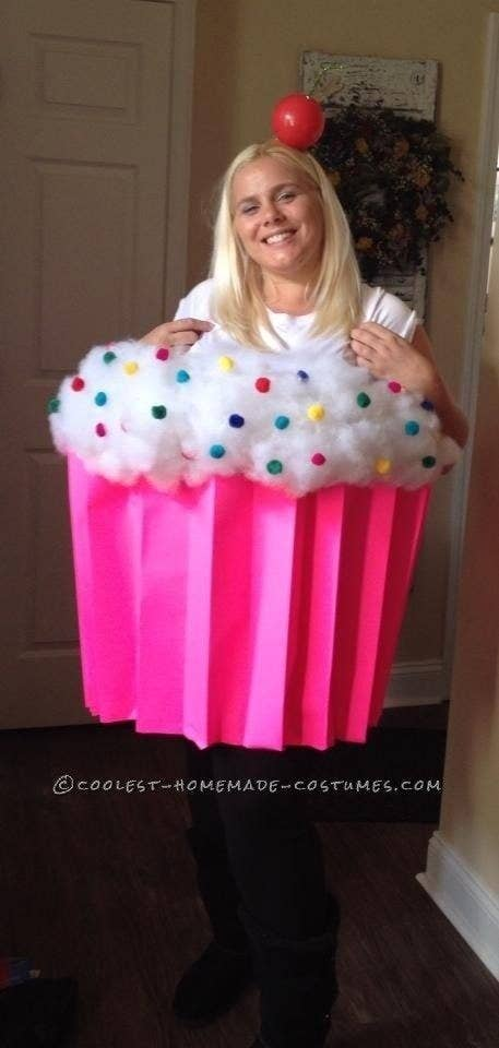 51 cheap and easy last minute halloween costumes 37 be a cupcake cutie with simple supplies from the craft store solutioingenieria Images