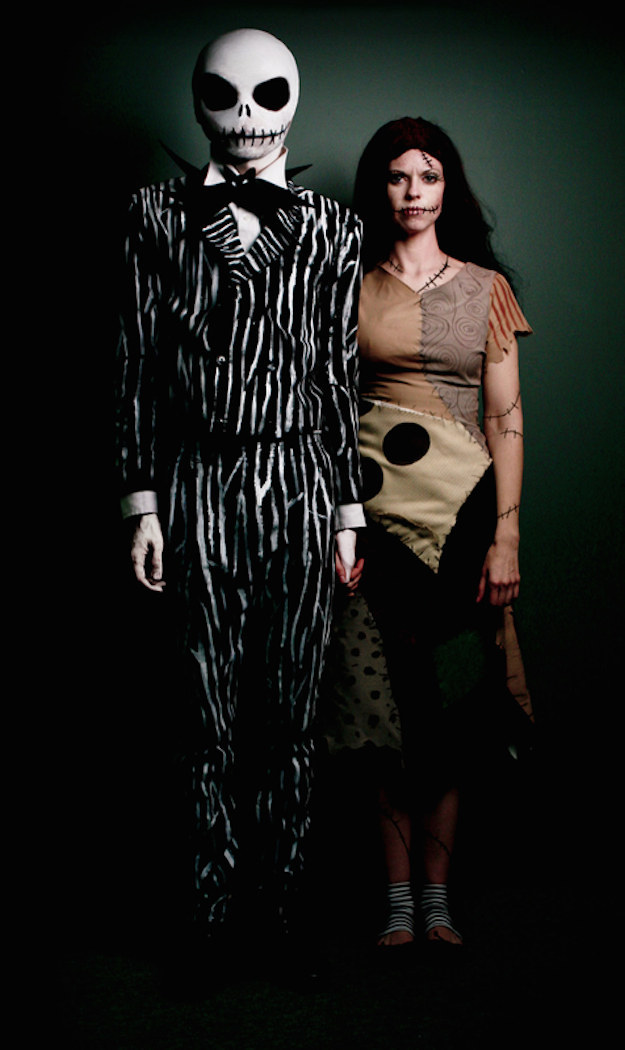 25. This creepy couple who stepped straight out of Halloween Land.