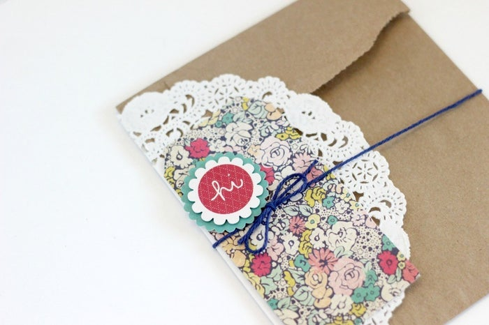 """Want to say """"hey"""" without using the Yo app? Try this simple yet fancy card made from scraps around your apartment. Get inspired at Whisker Graphics."""