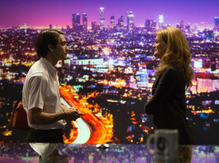 Jake Gyllenhaal and Rene Russo in Nightcrawler