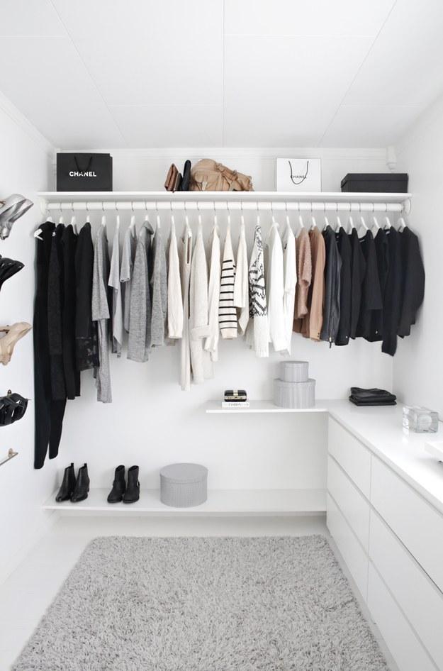 Csodás, új szekrény